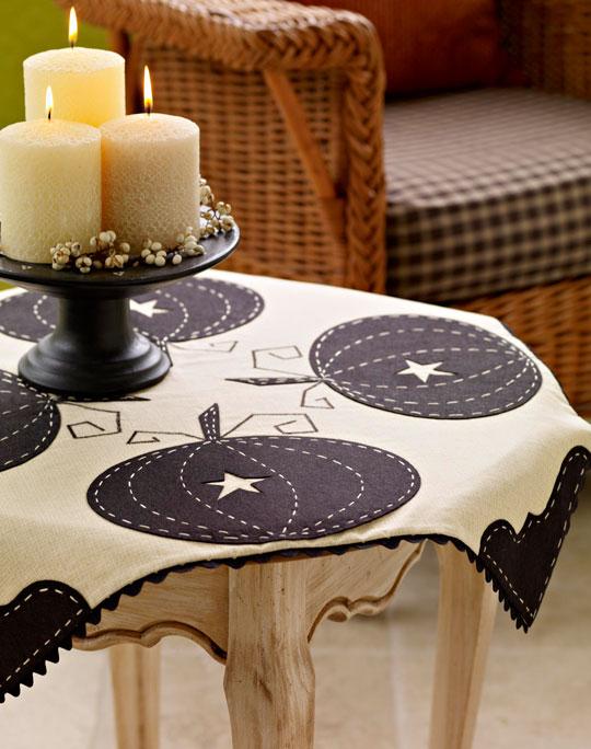 sophisticated-pumpkin-tableclothlg_1.jpg