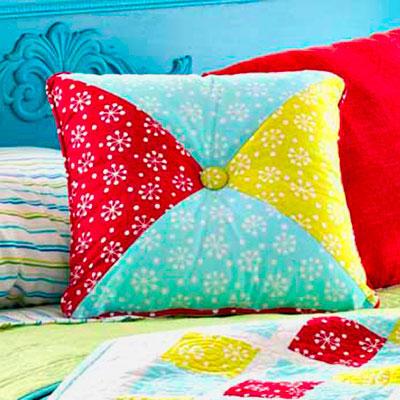 img_pillow-patternslg_ss7_0.jpg