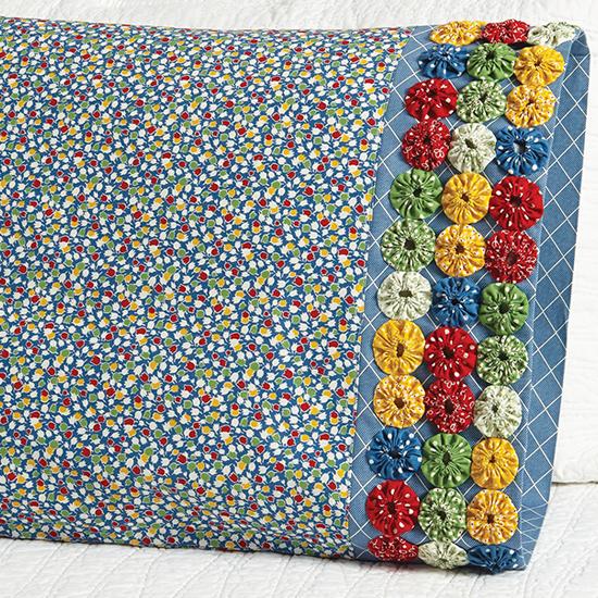 Moda Fabrics - Pillowcase 55 Yo-Yo Band