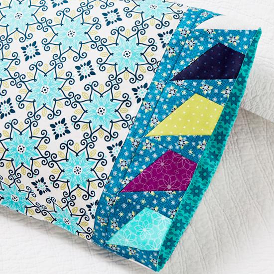 Benartex - Pillowcase 73: Flying Kites Band