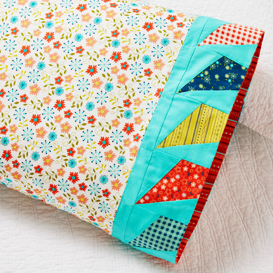Moda Fabrics - Pillowcase 73: Flying Kites Band