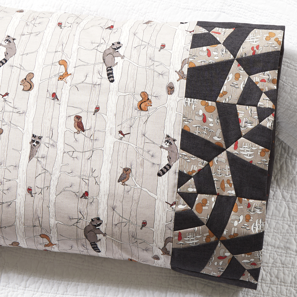 Northcott Fabrics - Pillowcase 81: Tangled Web