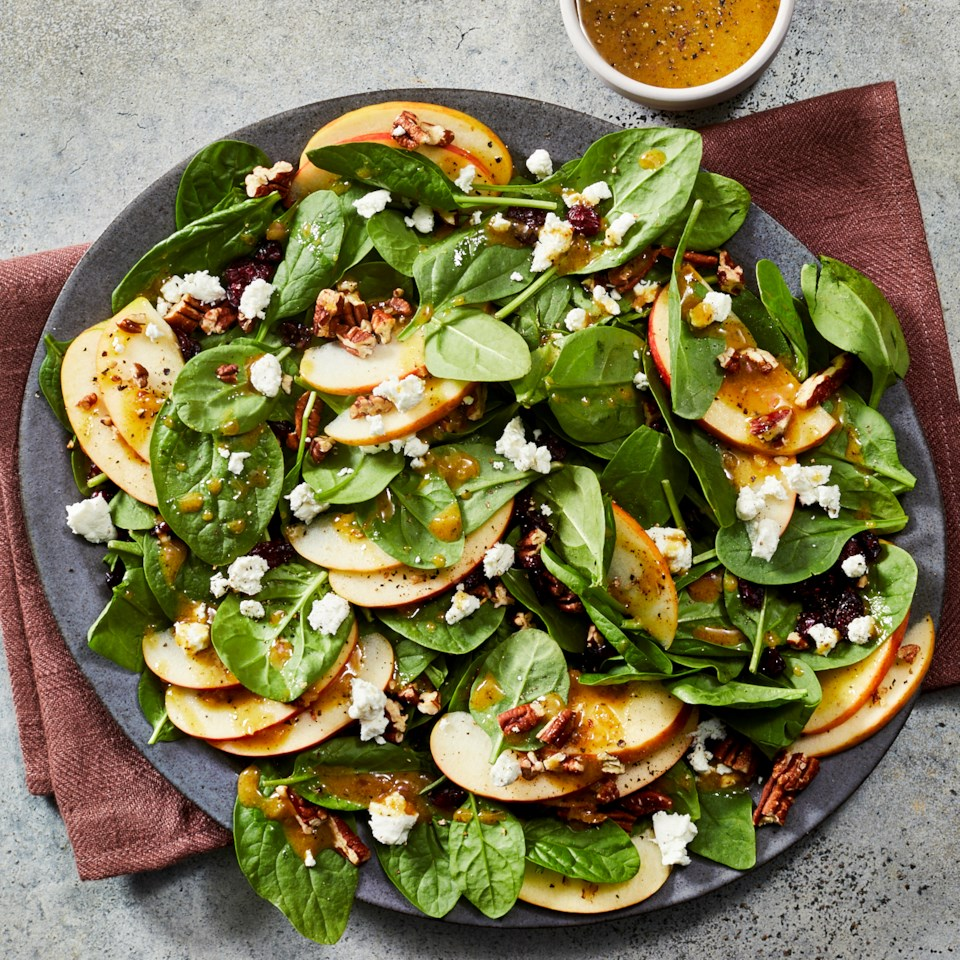 Spinach Salad Recipes That Need to Be on Your Christmas Menu