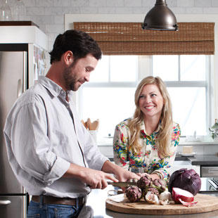 101872270-couple-cooking.jpg