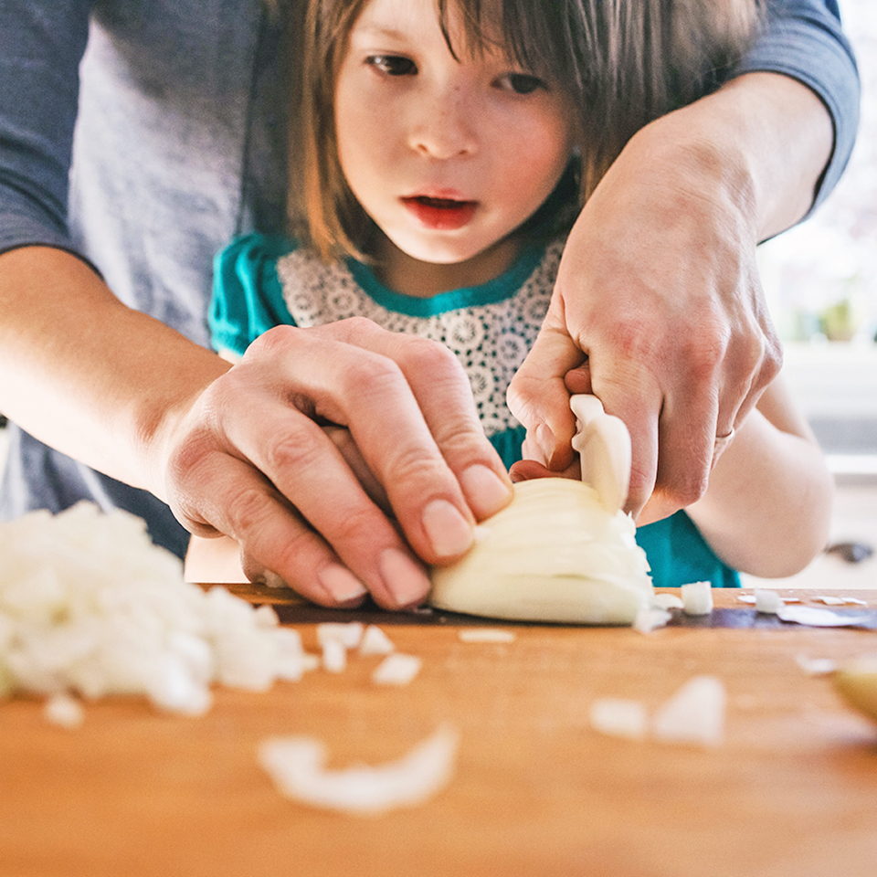 10 Easy Dinners Kids Can Help Cook