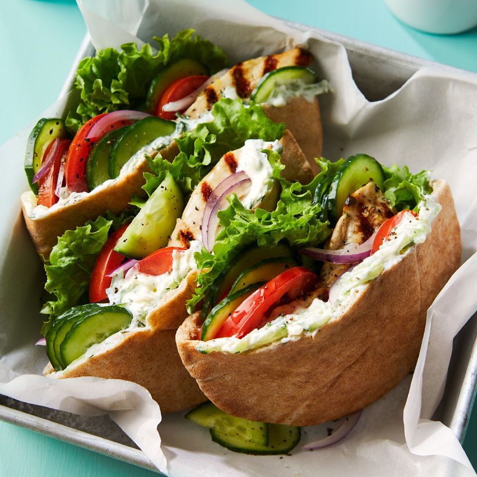 greek chicken and cucumber pita sandwiches