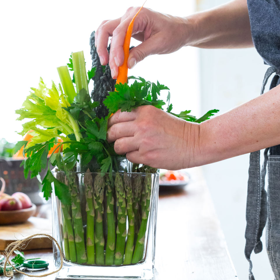 Add a pop of color to your edible bouquet with peeled carrots
