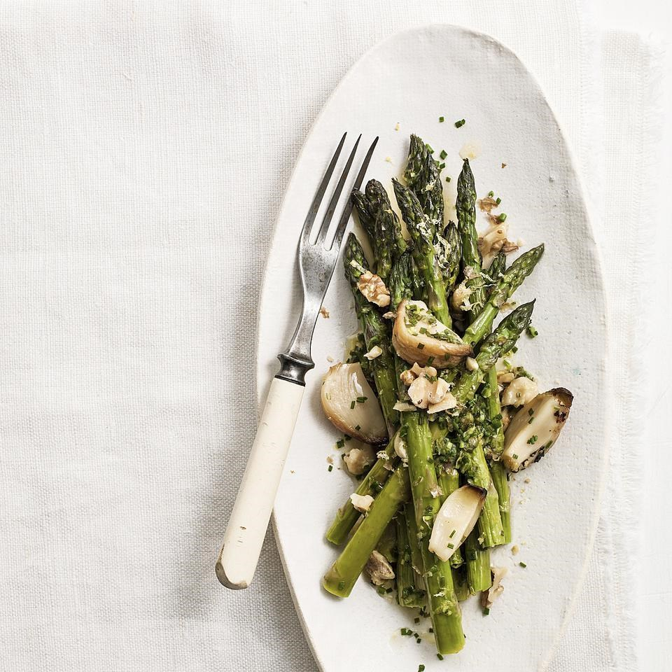 Roasted Garlic & Asparagus Salad