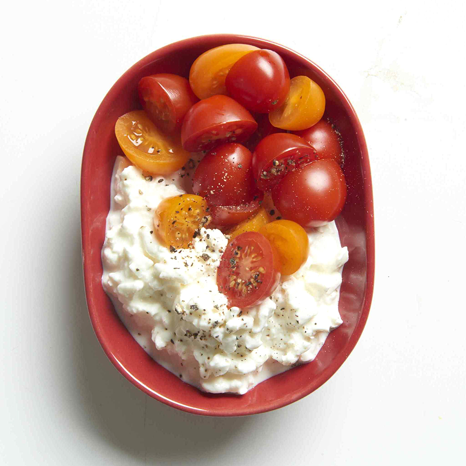 cottage cheese and cherry tomatoes