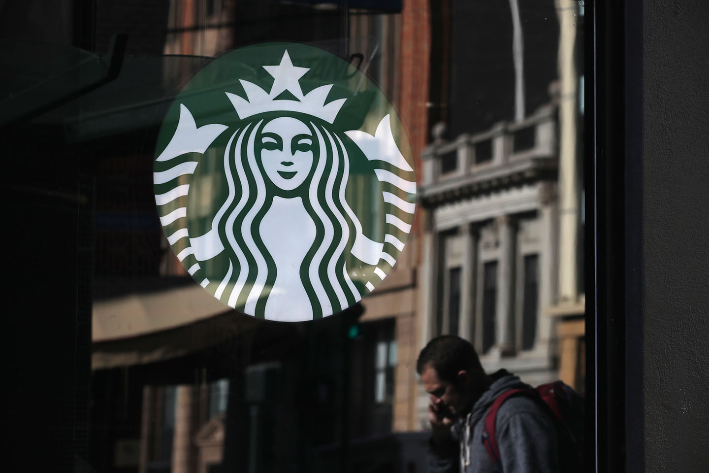 Starbucks Is Now Offering Oat Milk in the US—Here's Where You Can Find It