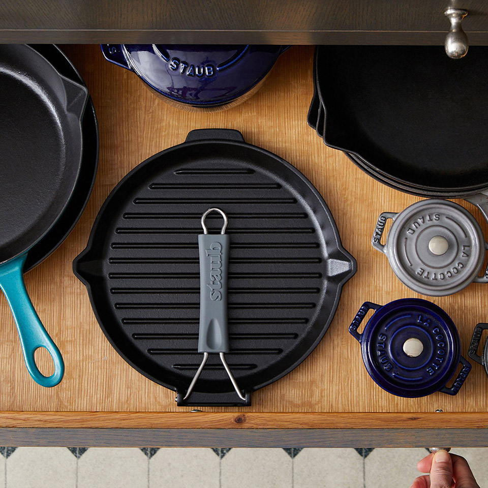 Staub Cast-Iron Compact Grill with Folding Handle