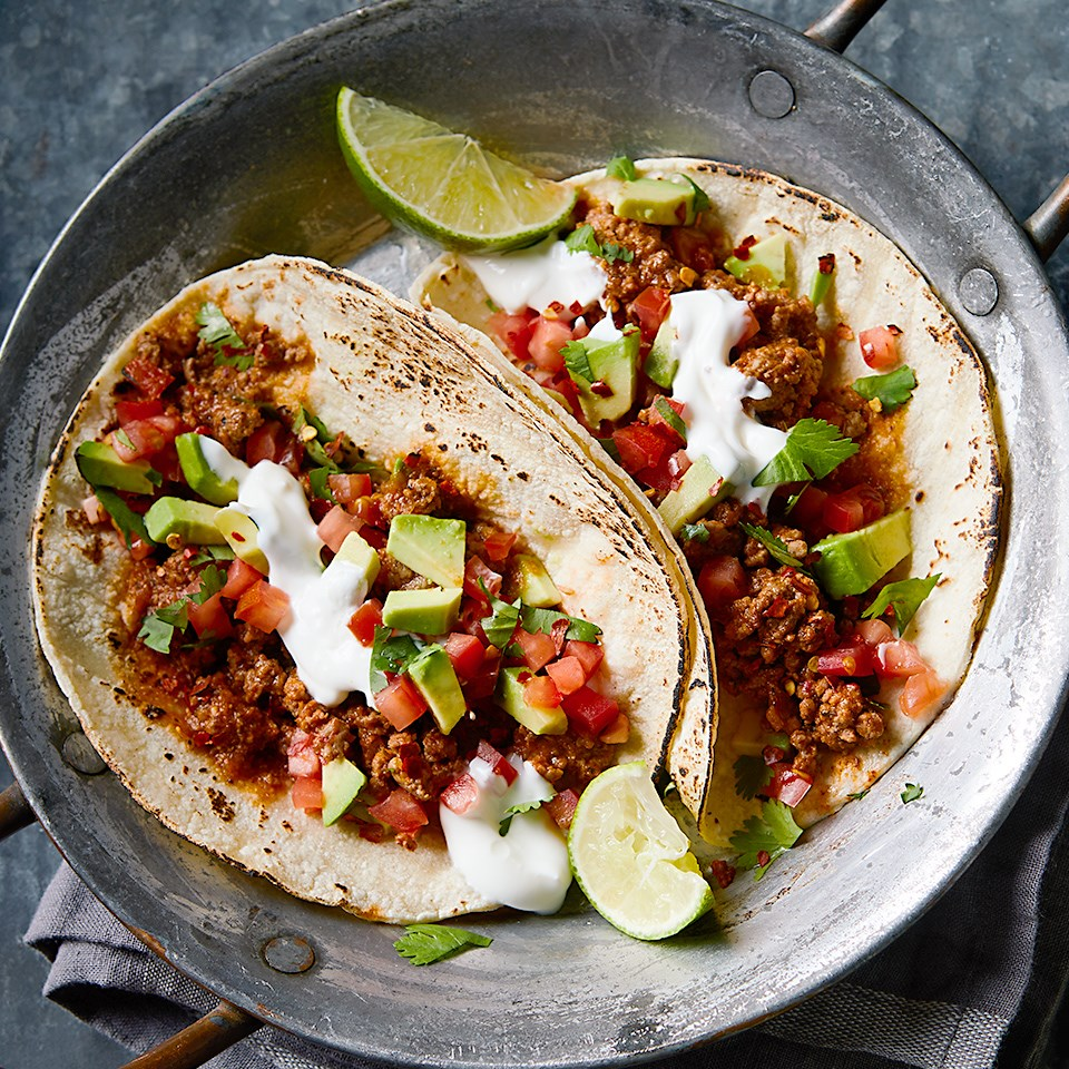 chipotle beef tacos with tomato avocado pico de gallo