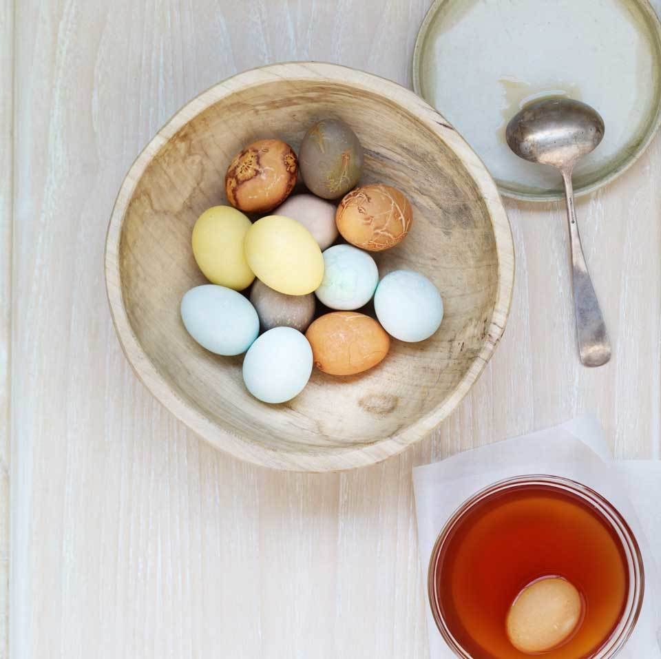 How to Dye Eggs with Natural Dyes