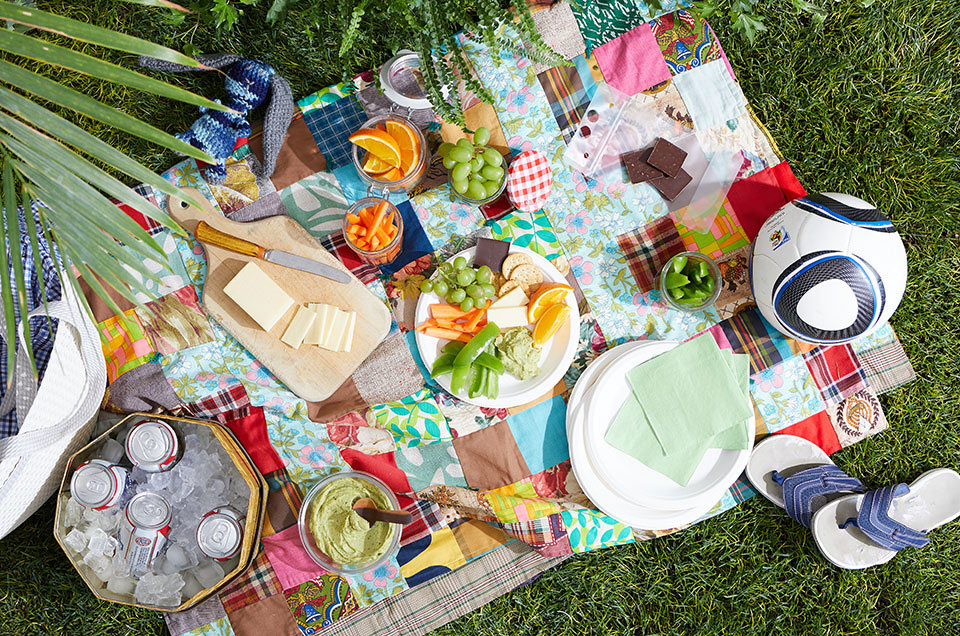 Healthy Summer Picnic Ideas to Pack Up for Dinner Tonight