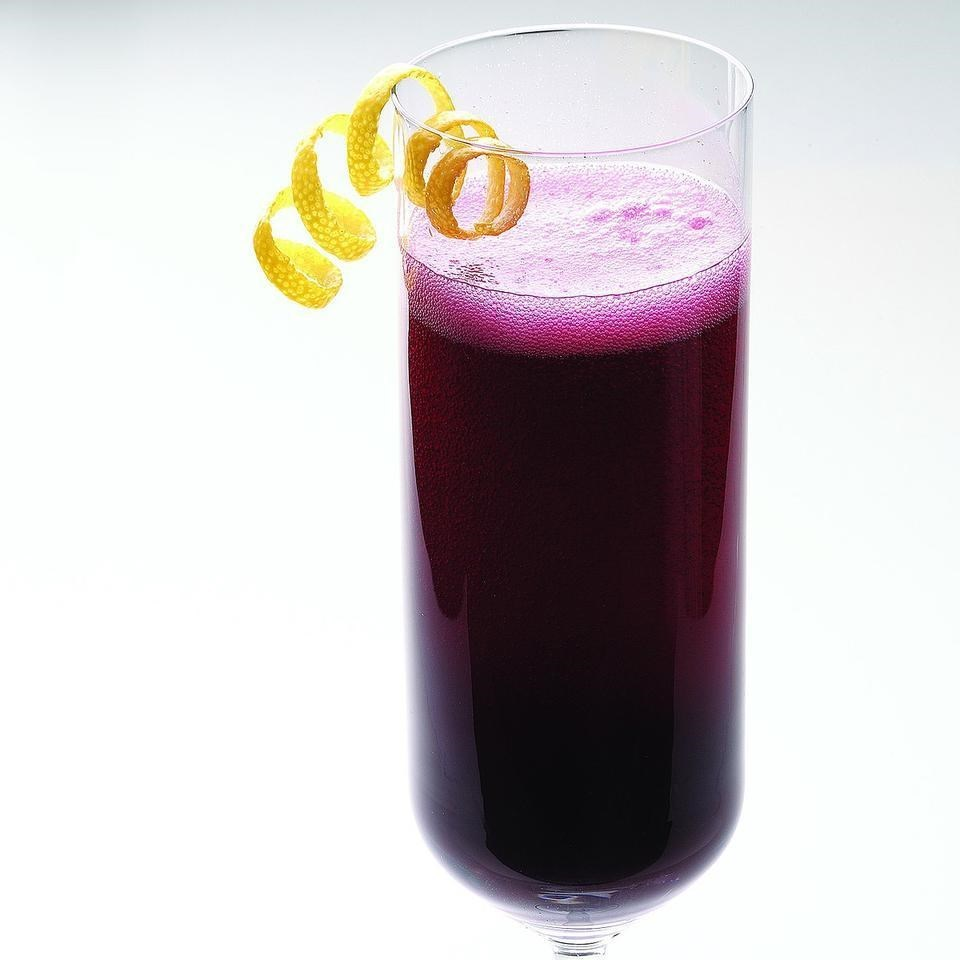 Blueberry-Ginger Bellini cocktail