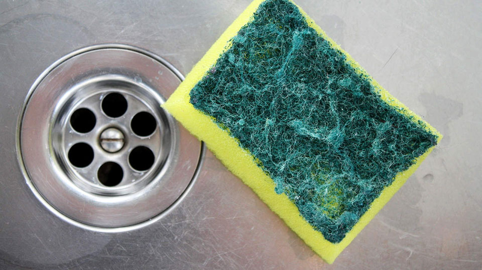 11 Things in Your Kitchen You Need to Throw Away Now