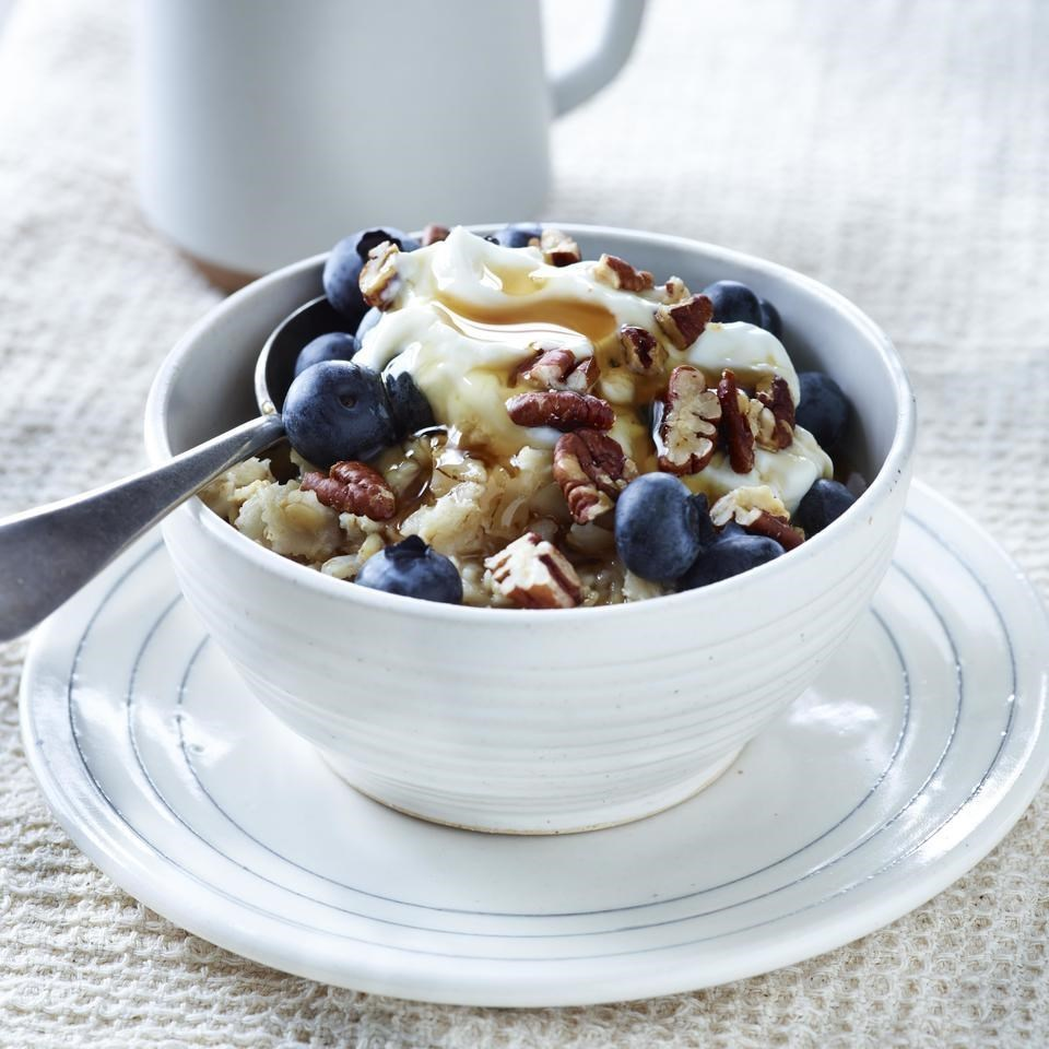creamy blueberry pecan oatmeal