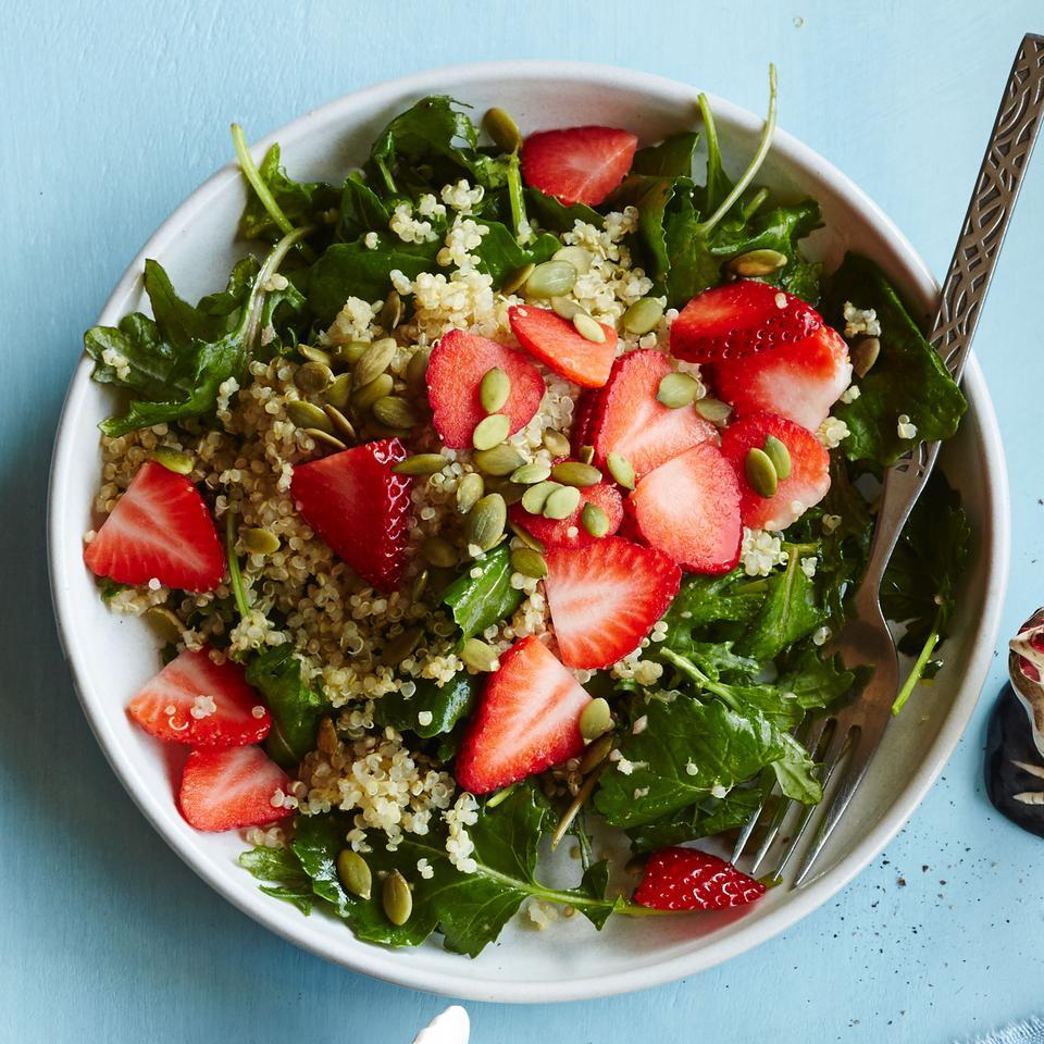 Baby Kale Breakfast Salad with Quinoa & Strawberries