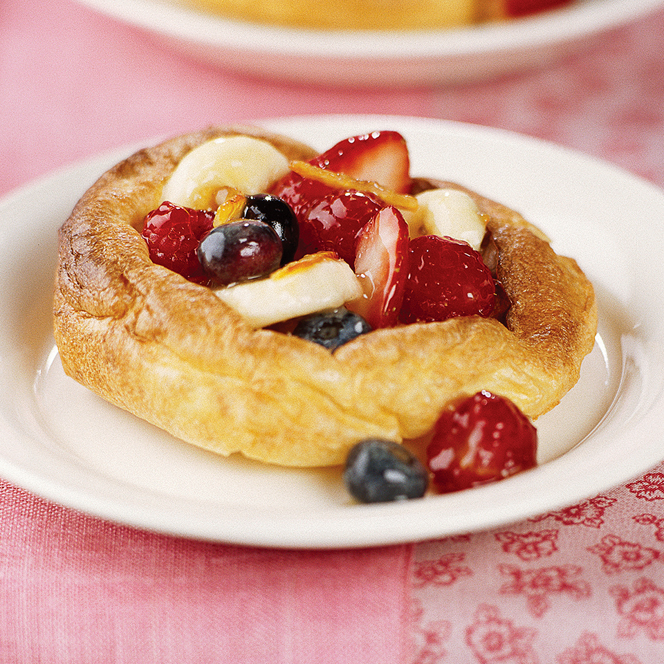 Berry-Filled Puff Pancakes