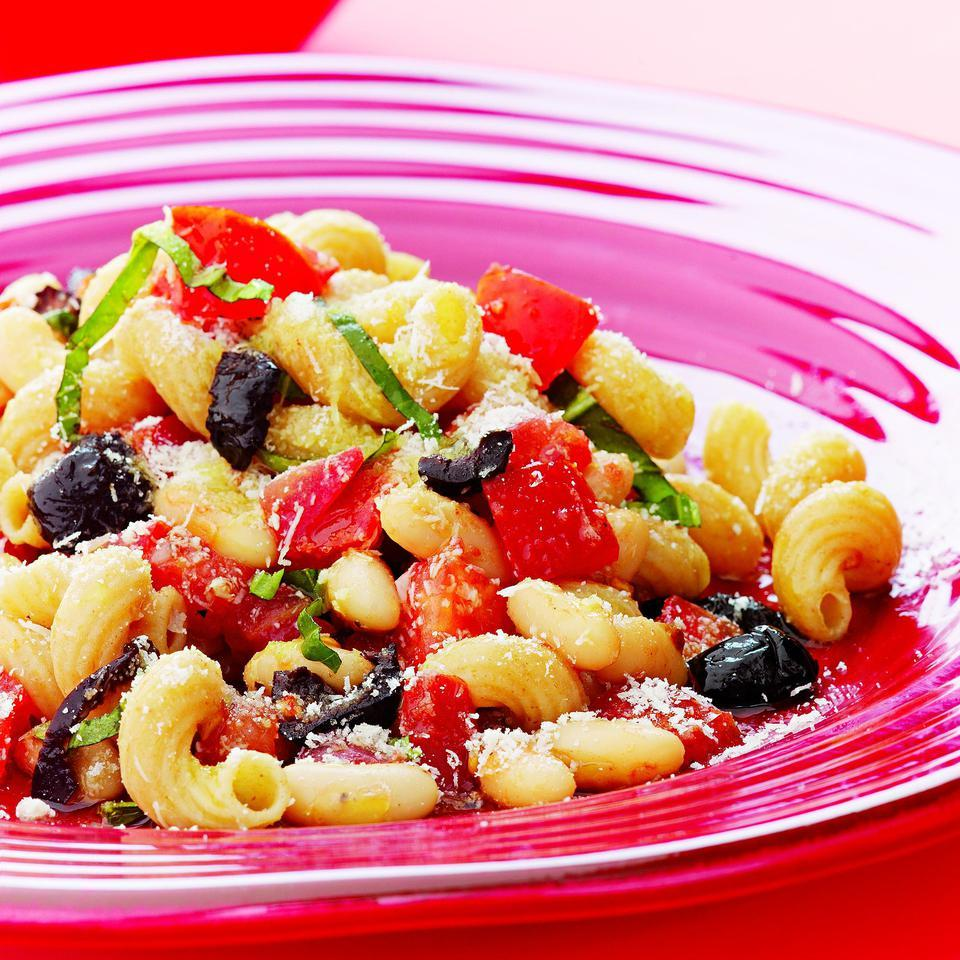 Pomodoro Pasta with White Beans & Olives