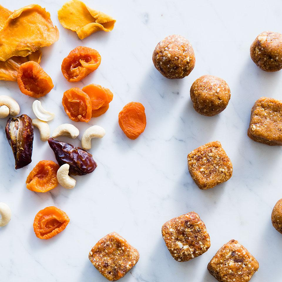 Clean-Eating Snack Ideas to Pack for Work