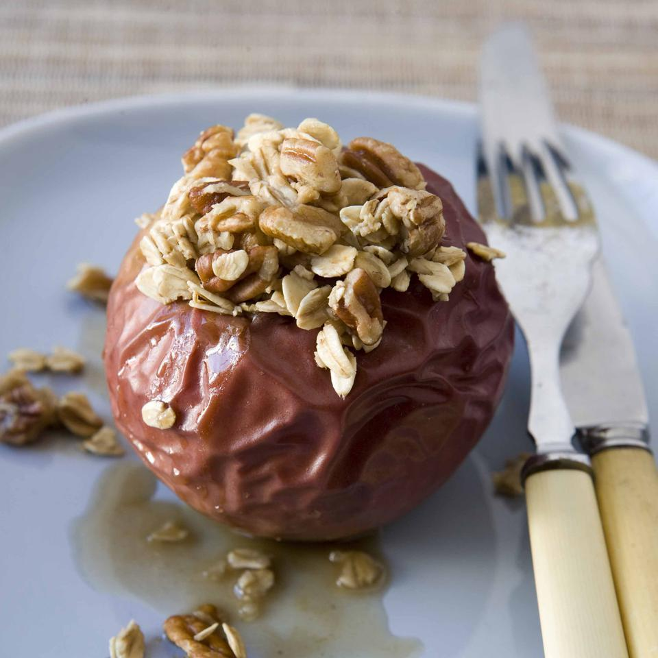 Ginger Baked Apples With Oats Pecans Recipe Eatingwell