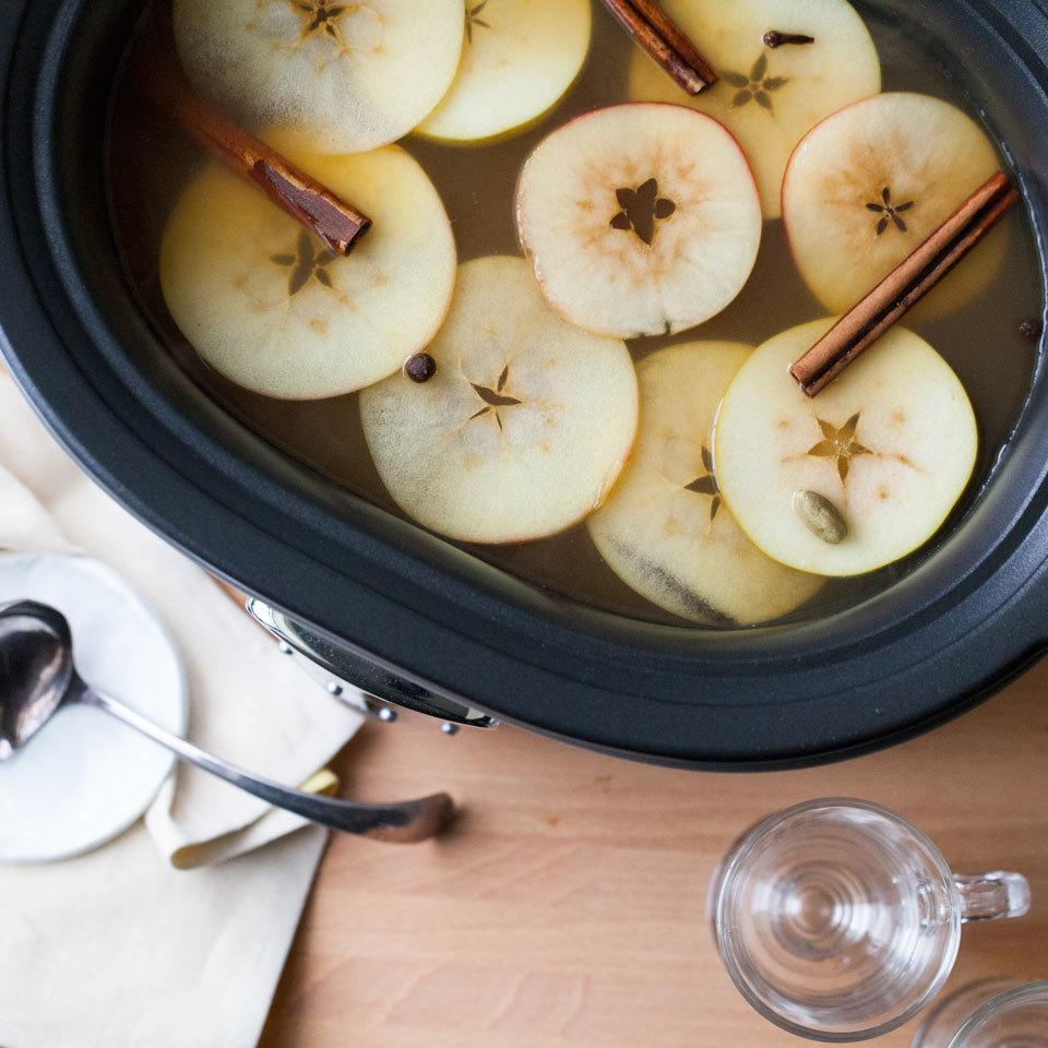 Slow-Cooker Hot Cider with Brandy