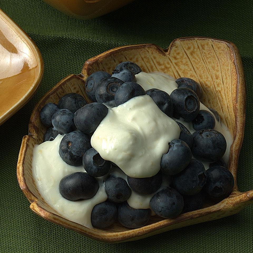 Blueberries with Lemon Cream