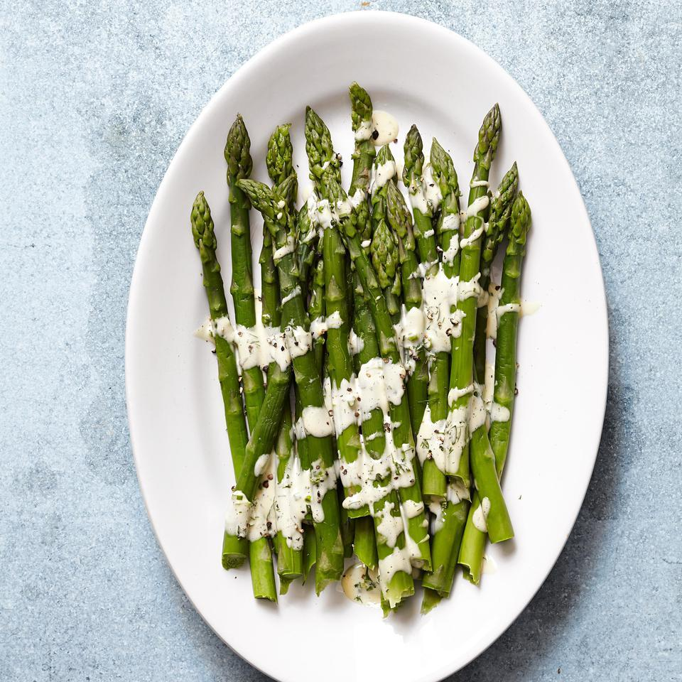 Asparagus with Easy Hollandaise Sauce