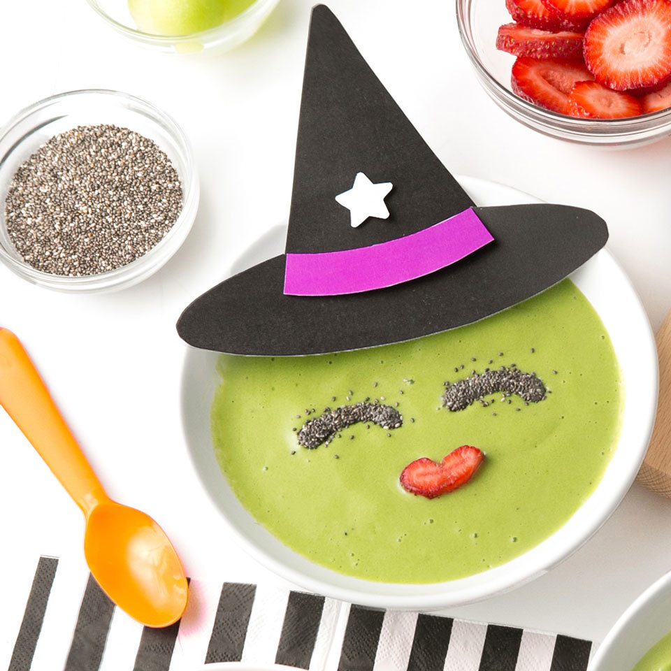 Witch Smoothie Bowl