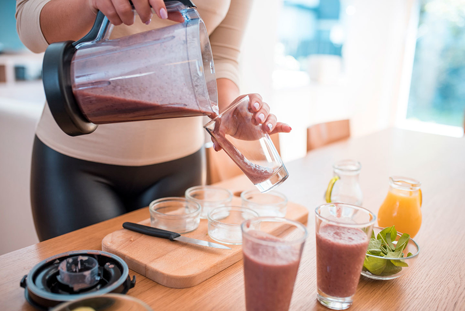 The Dietitian-Approved Hack for a Creamier Low-Sugar Smoothie