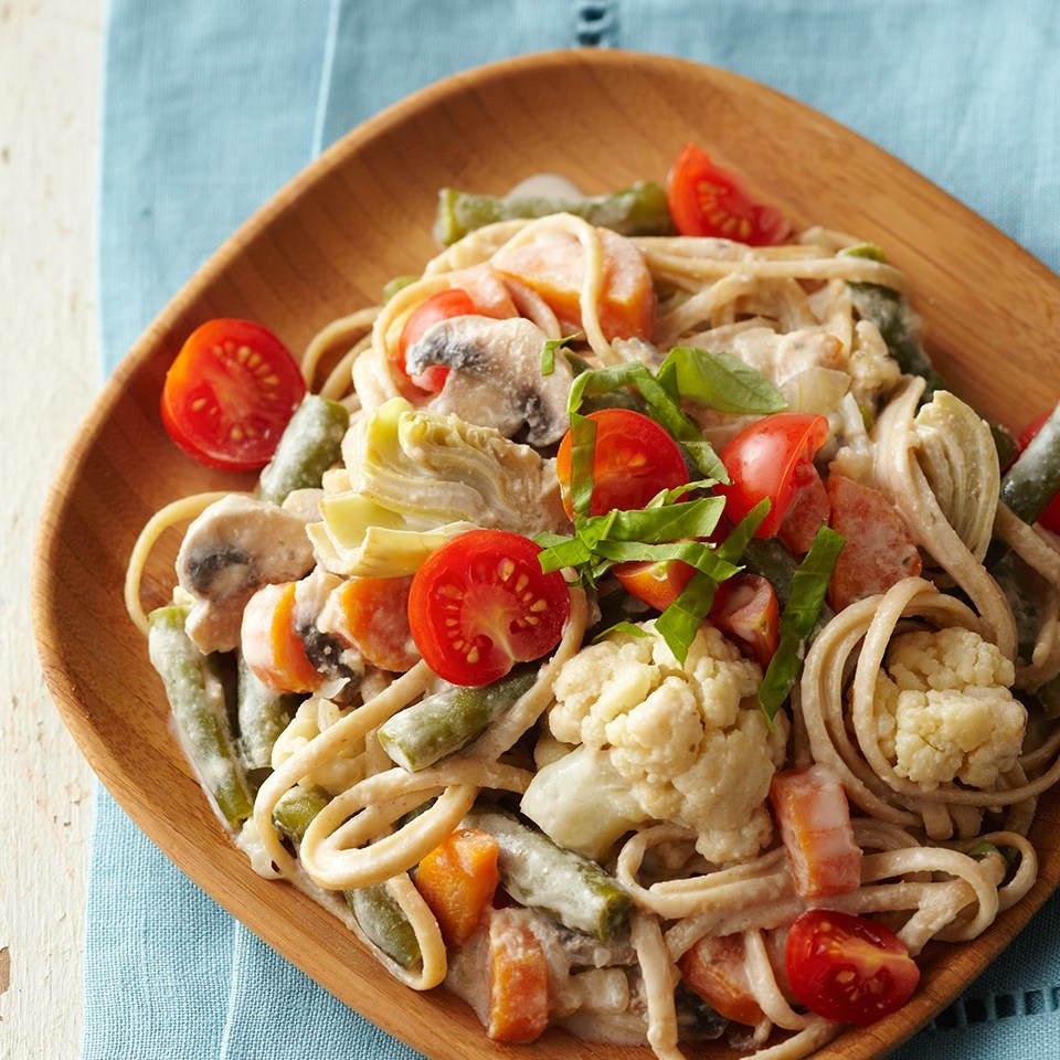plate of vegetable pasta