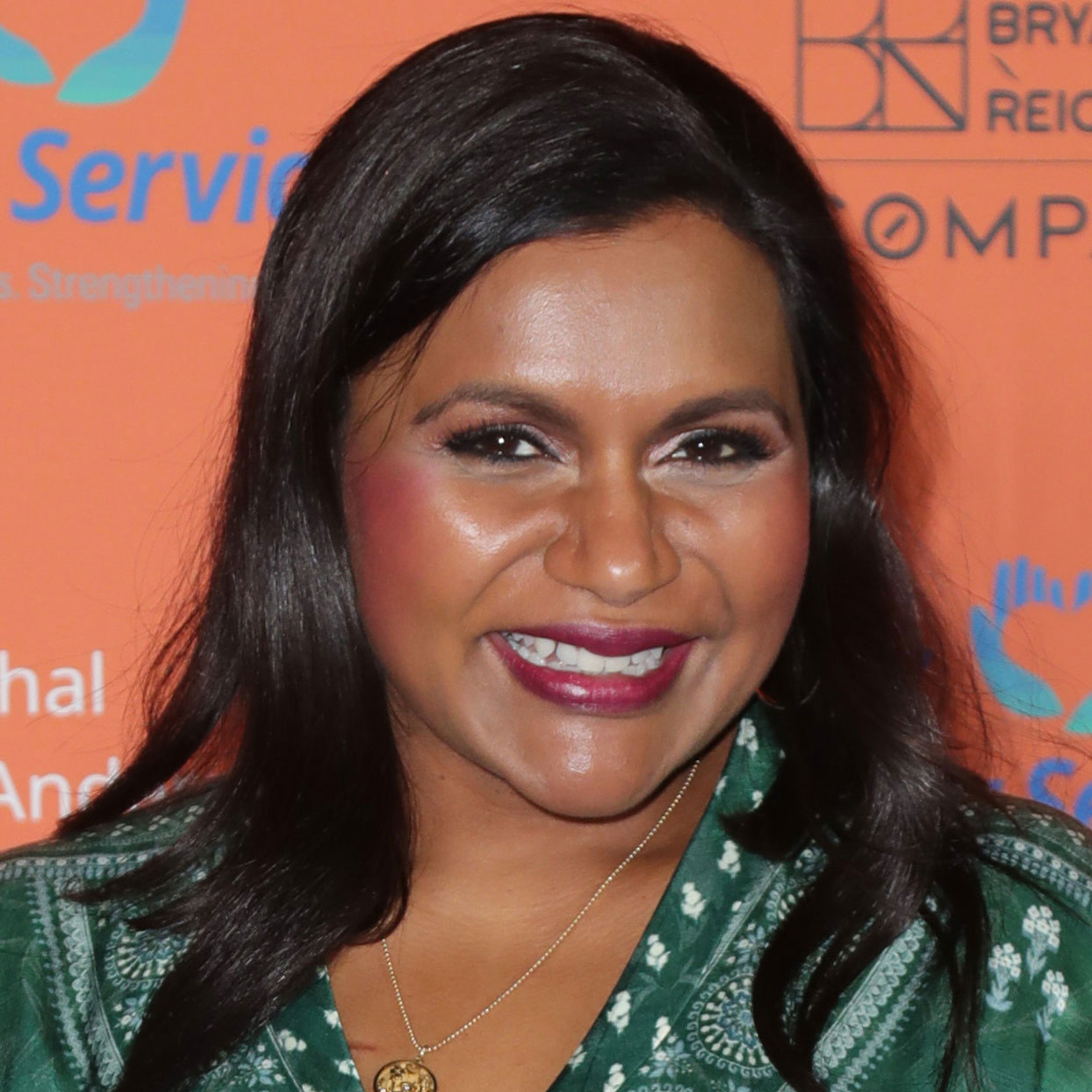 Mindy Kaling Tried Pumpkin Spice Products From Trader Joe's and Whole Foods and Her Reactions Are Hilarious