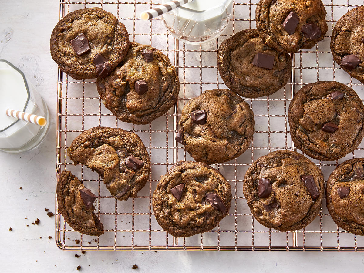 Delicious looking cookies on a cooling wrack