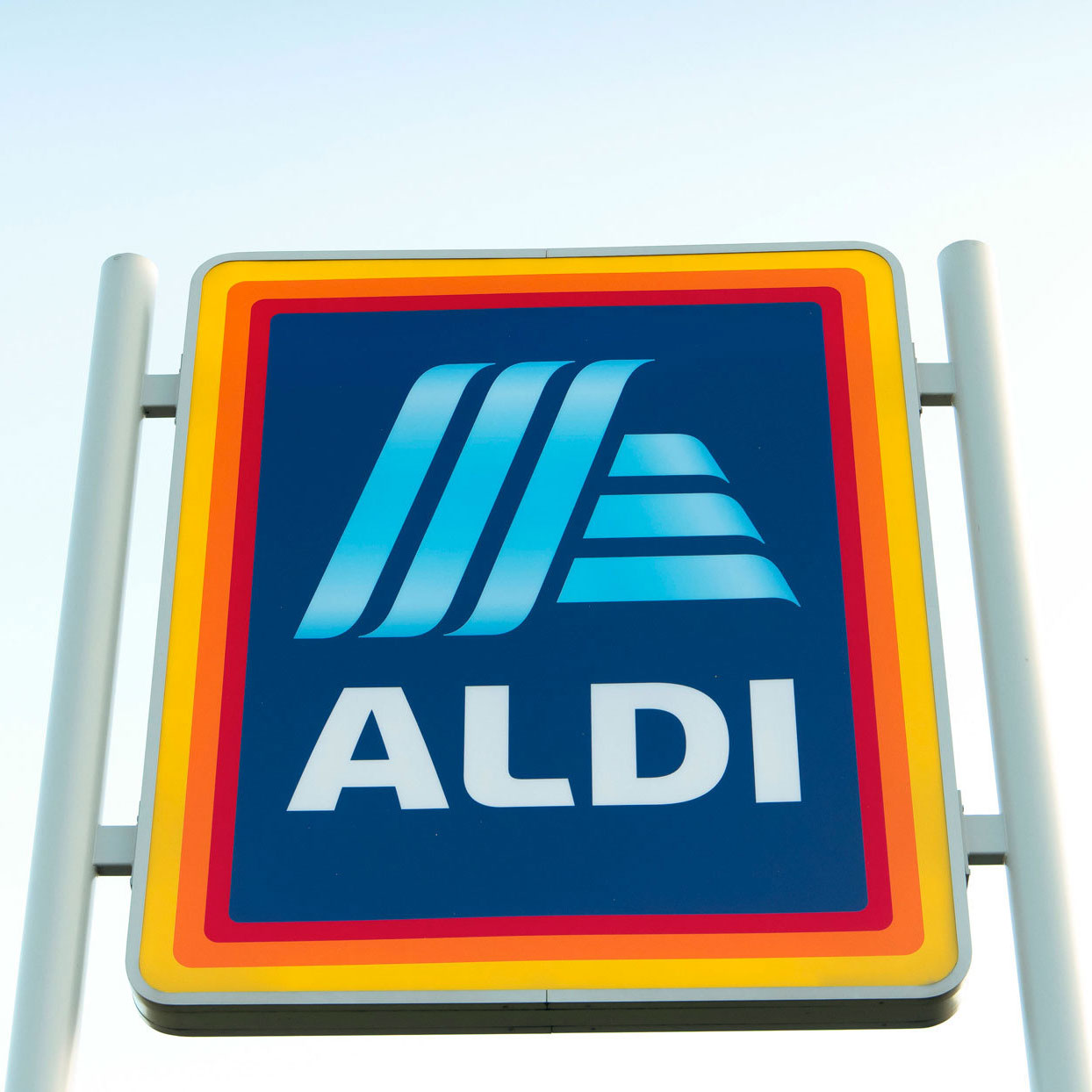 Aldi Now Offers Free Alcohol Delivery Through the Holiday Season