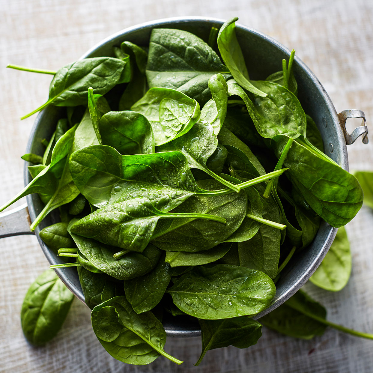 How to Prep and Cook Fresh and Frozen Spinach for Delicious Results