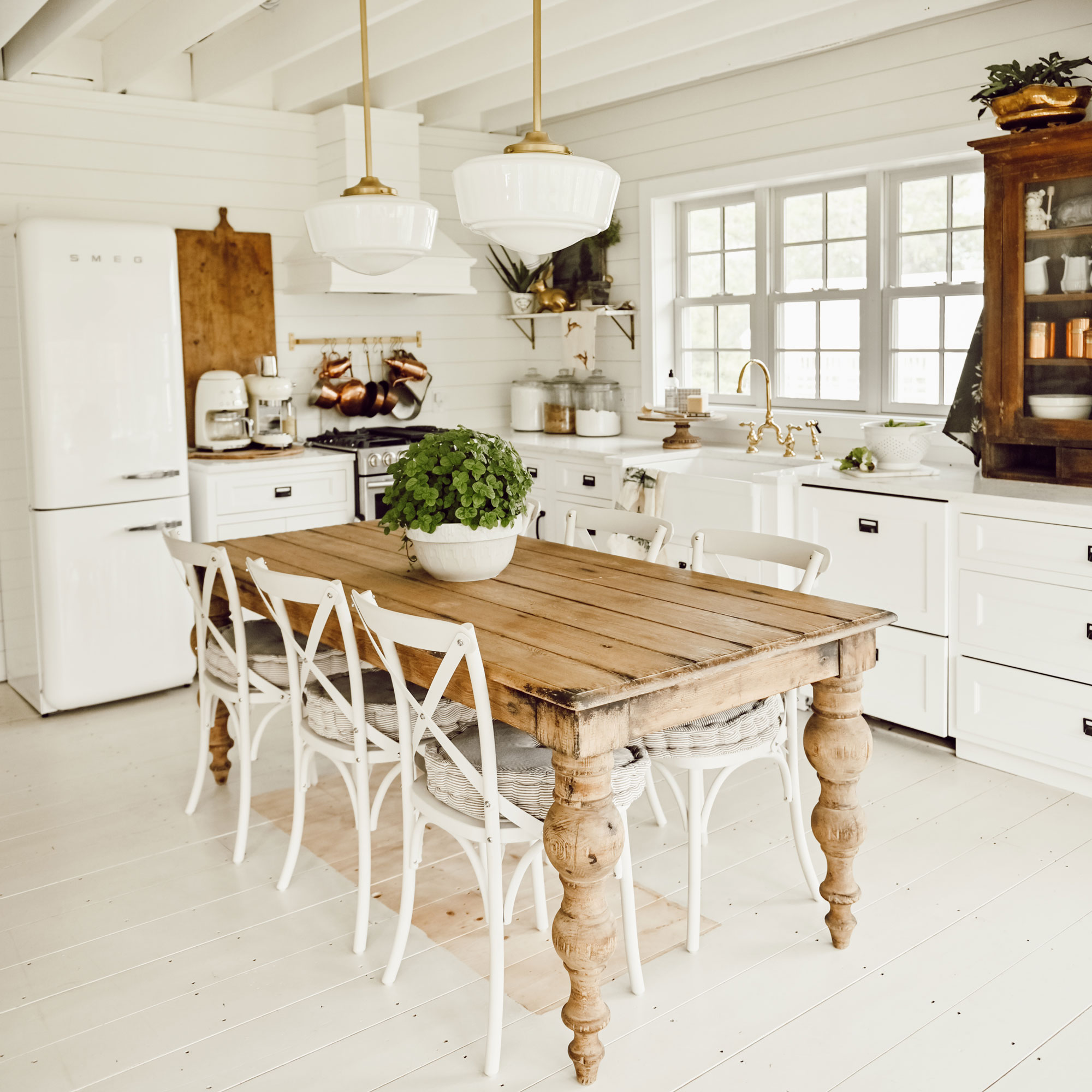 How to Decorate a Farmhouse Kitchen   EatingWell