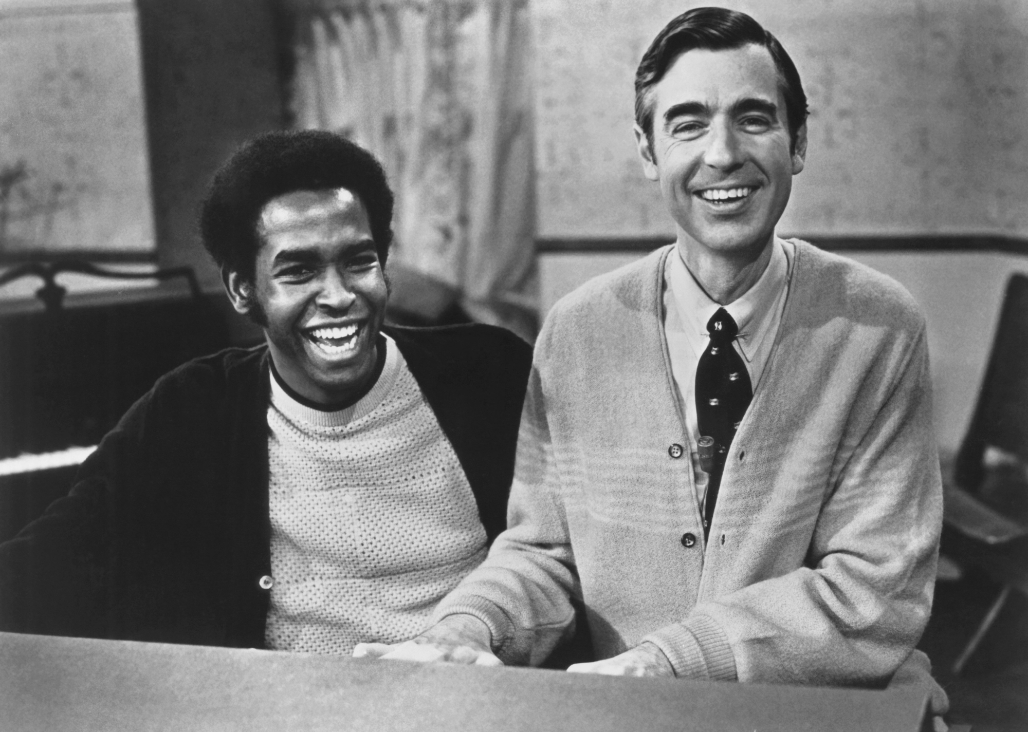 Mister Rogers Encouraged Gay Costar Officer Clemmons To Stay In The Closet Ew Com