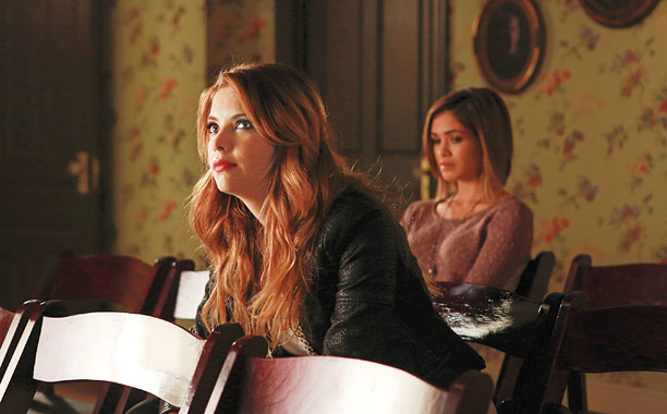 Ravenswood Finale React Hanna S Back Some Mysteries Solved Ew Com