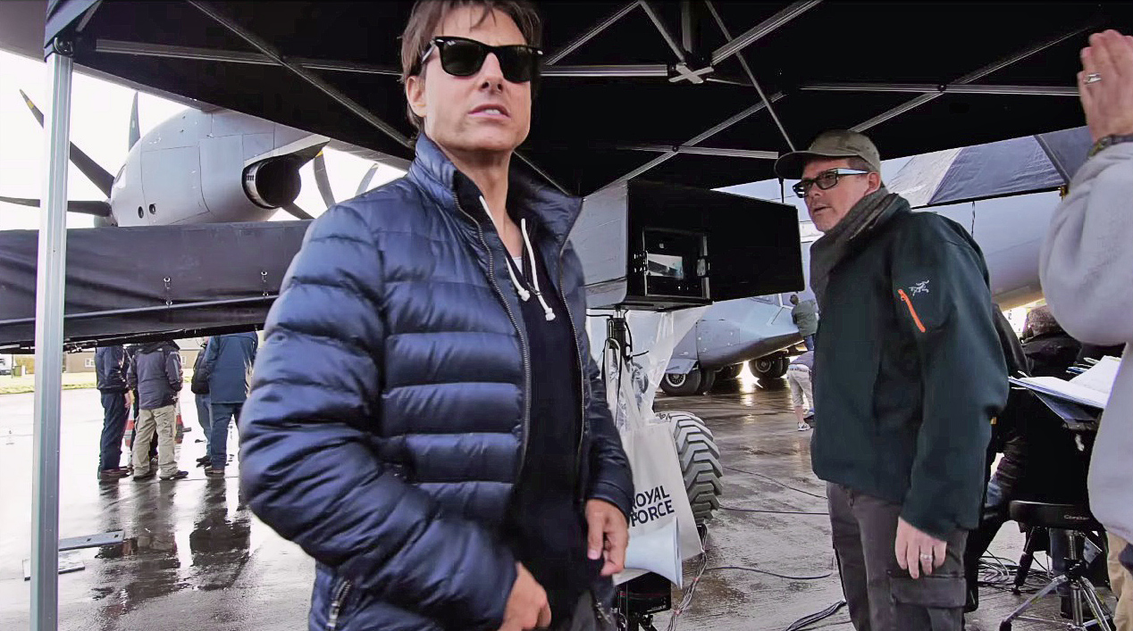 Mission Impossible Rogue Nation Tom Cruise Plane Scene Behind The Scenes Video Ew Com