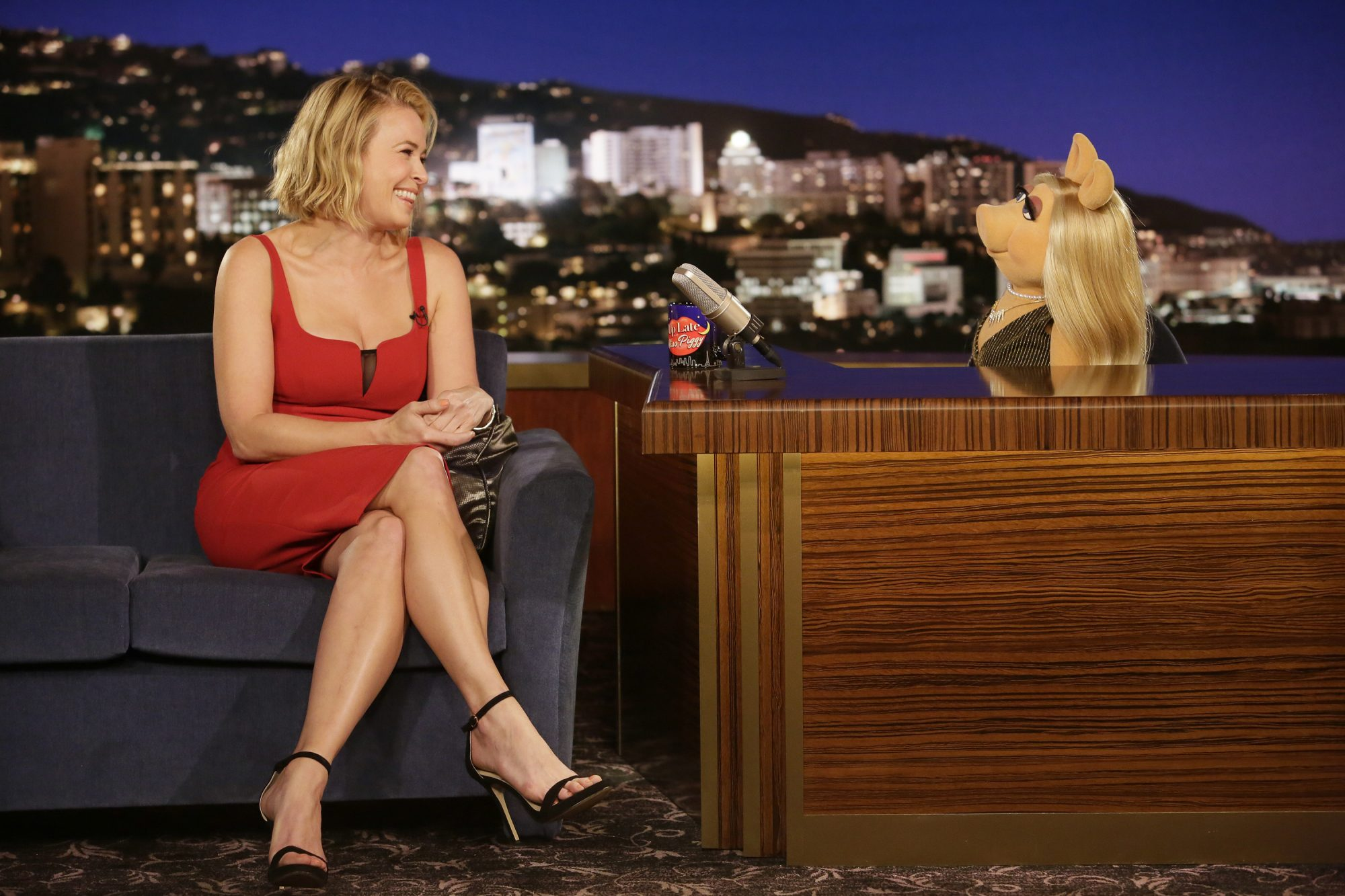 The Muppets Chelsea Handler Will Find Romance In New Episode Ew Com