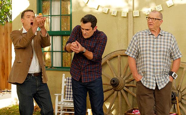 Modern Family Recap Season 8 Episode 7 Ew Com