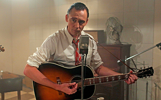 I Saw The Light Watch Tom Hiddleston Play Guitar Yodel And Jam Out To Hank Williams Ew Com