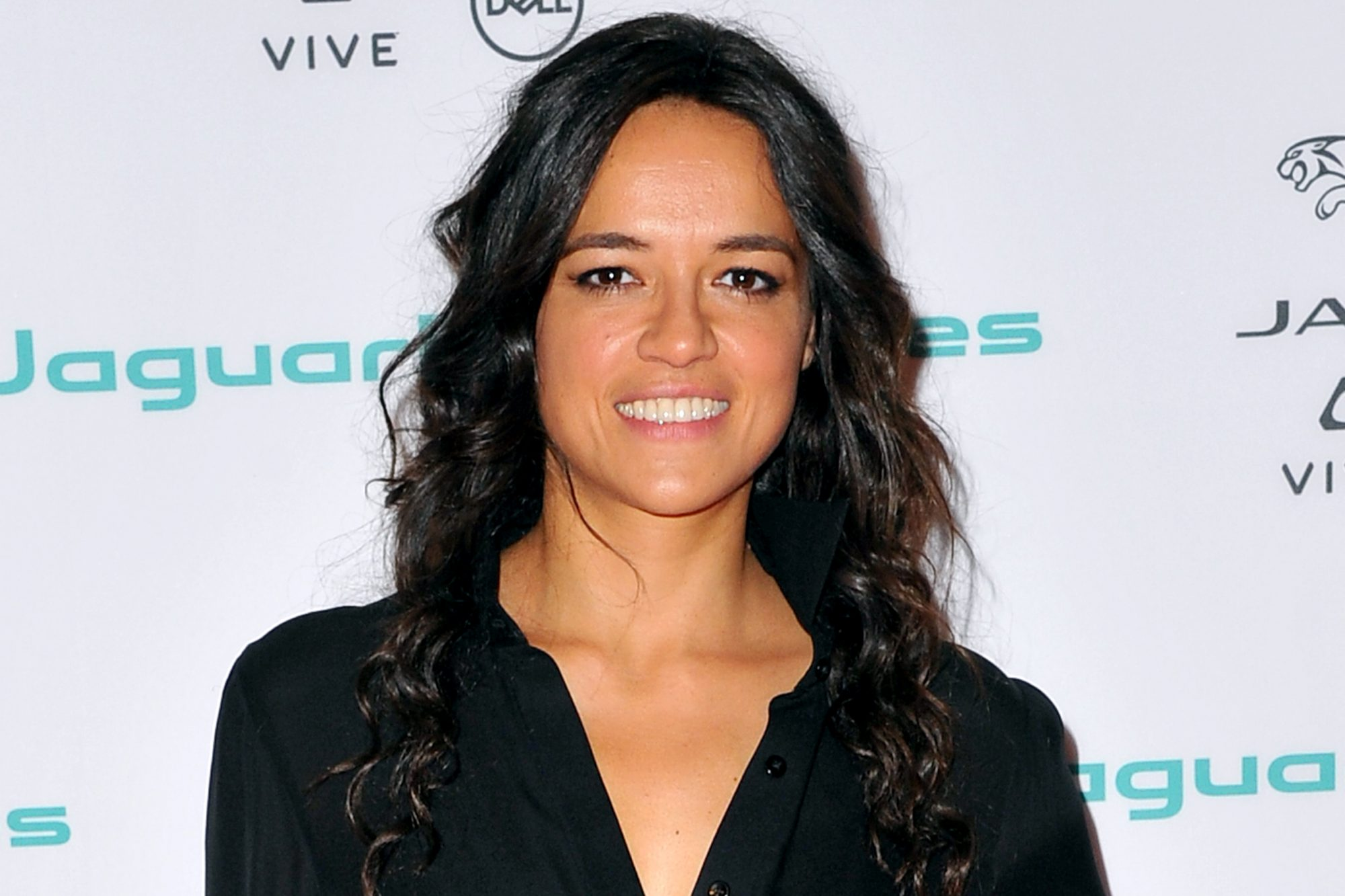 Michelle Rodriguez Joins Alita Battle Angel Movie Ew Com