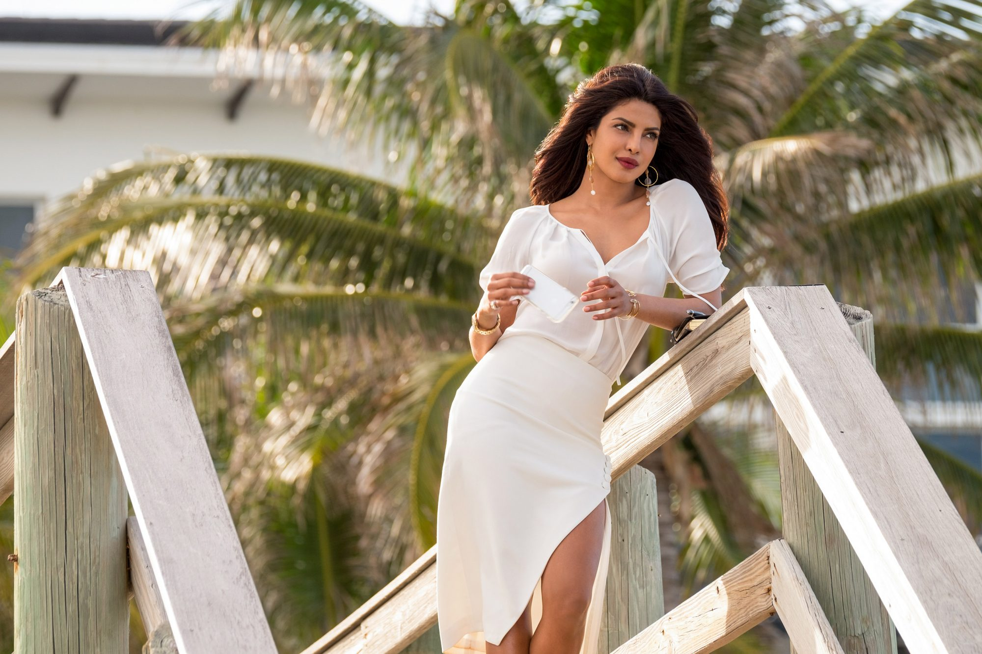 Priyanka Chopra Talks Playing Baywatch Villain Ew Com