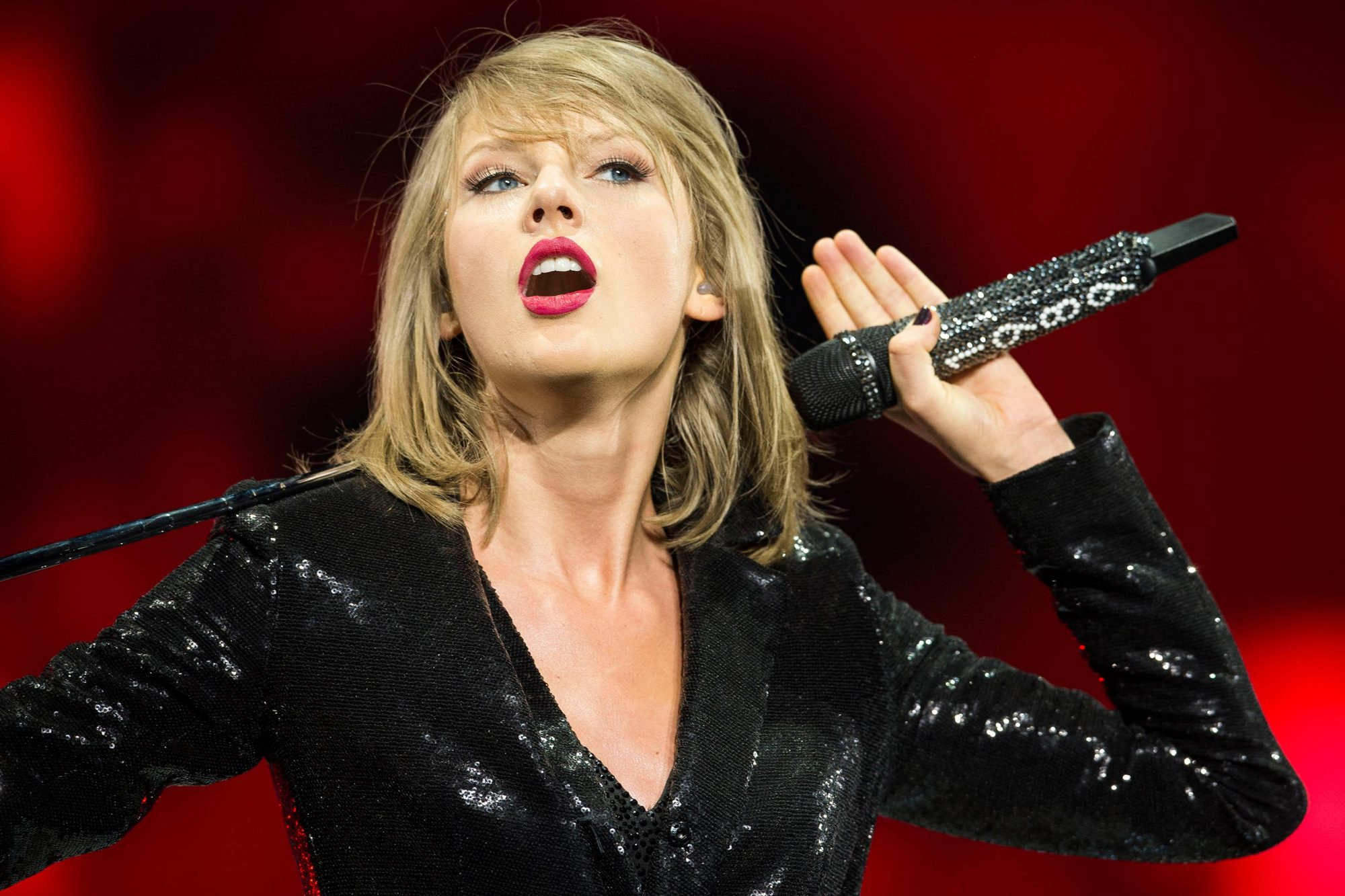 Taylor Swift Expands Reputation Stadium Tour Ew Com