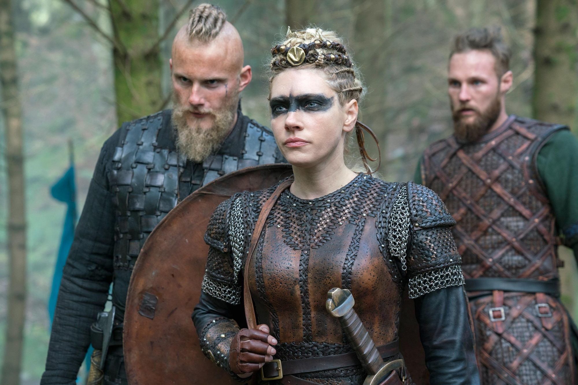 Vikings Creator Michael Hirst On Midseason Finale Lagertha Starts To Break Ew Com