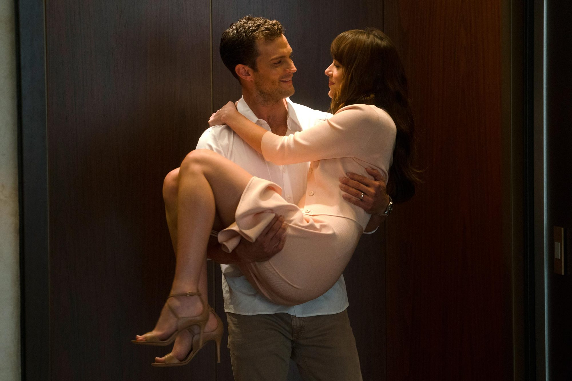Fifty Shades Freed 19 Lingering Questions About The Final Movie In The Trilogy Ew Com