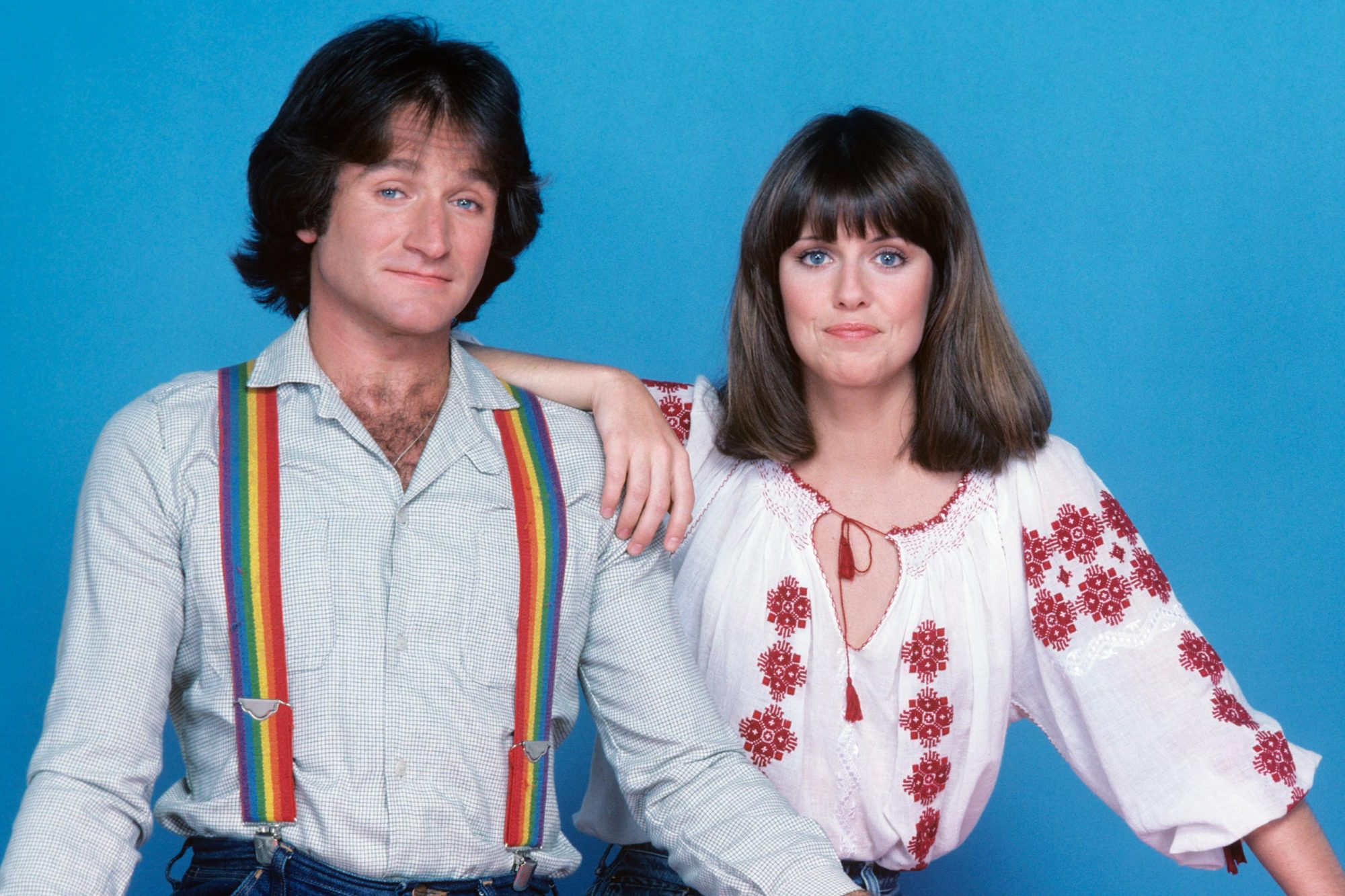 Robin Williams alleged to have groped 'Mork & Mindy' costar Pam Dawber on  set | EW.com