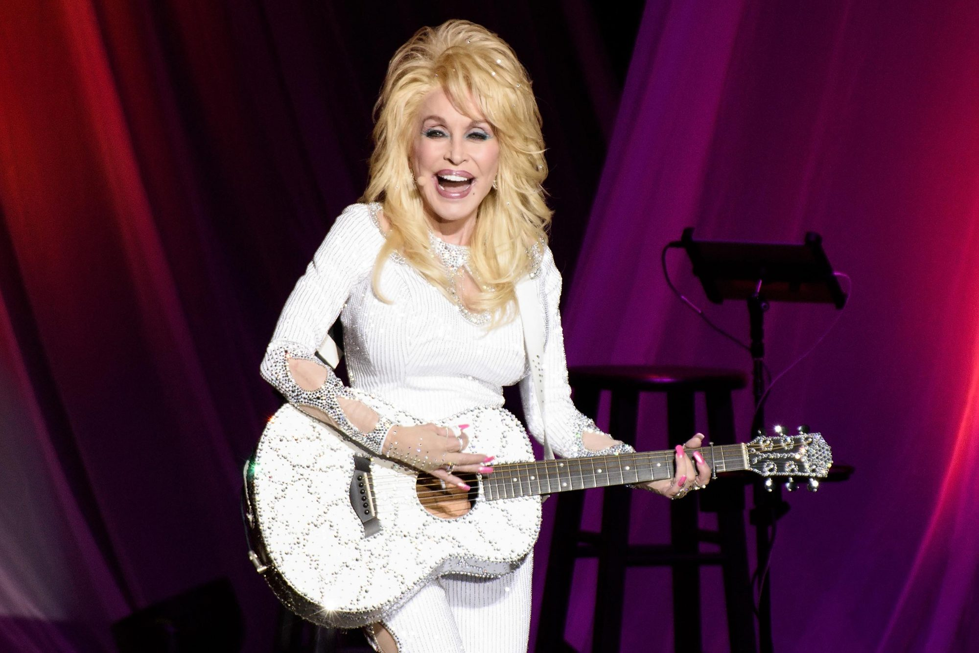 Dolly Parton Making Ton Of Music To Leave Behind When She Dies Ew Com
